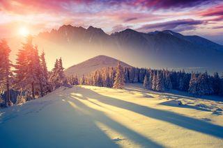 Обои на телефон солнечный свет, солнце, снег, природа, пейзаж, зима, закат, горы, winter sun