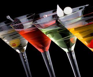 Обои на телефон алкоголь, стекло, напиток, напитки, красочные, коктейли, martini, colorful glass