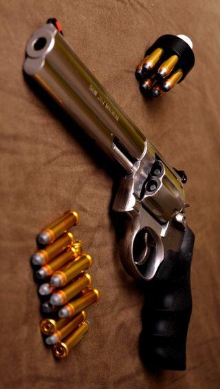 Обои на телефон пистолет, оружие, smith, revolver, ammunition