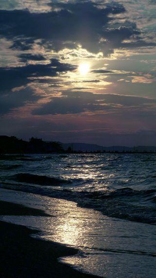 Обои на телефон волны, солнце, прекрасные, пляж, песок, облака, небо, море, лето, закат