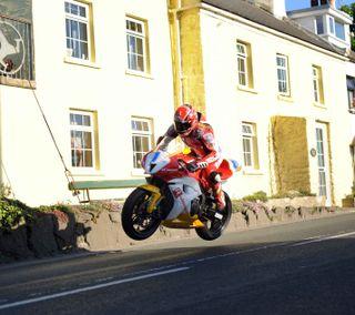 Обои на телефон прыгать, мотоцикл, гоночные, байк, isle of man tt