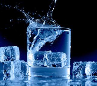 Обои на телефон чашка, кубы, стекло, синие, лед, другие, вода, брызги, icy blue, ice cubes, glass cup