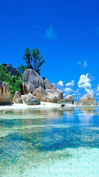 Обои на телефон рай, песок, рок, пляж, камни, вода