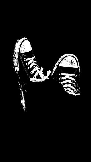 Обои на телефон черные, кроссовки, белые