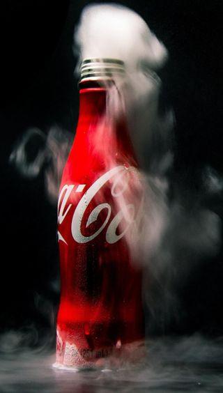 Обои на телефон холод, напиток, красые, кола, кока, дым, бутылка
